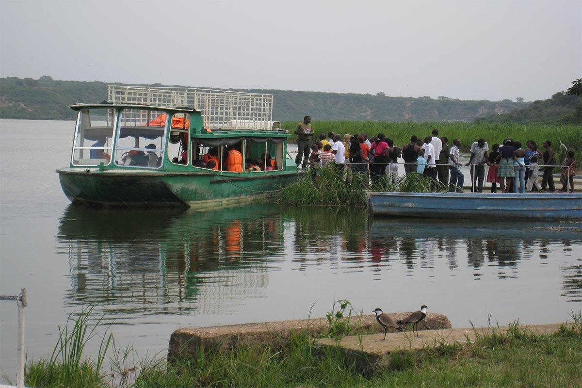 Boat cruise on Kazinga channel