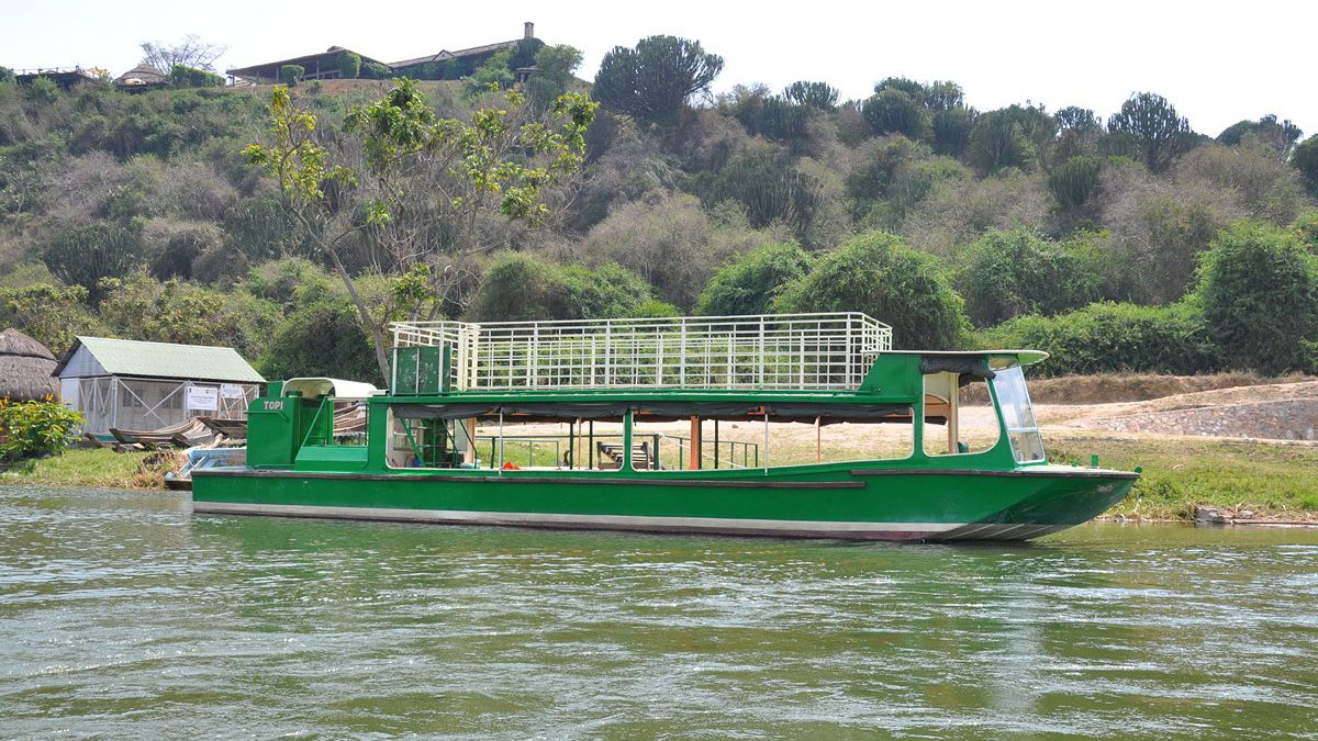 Boat cruise safari on lake Mburo
