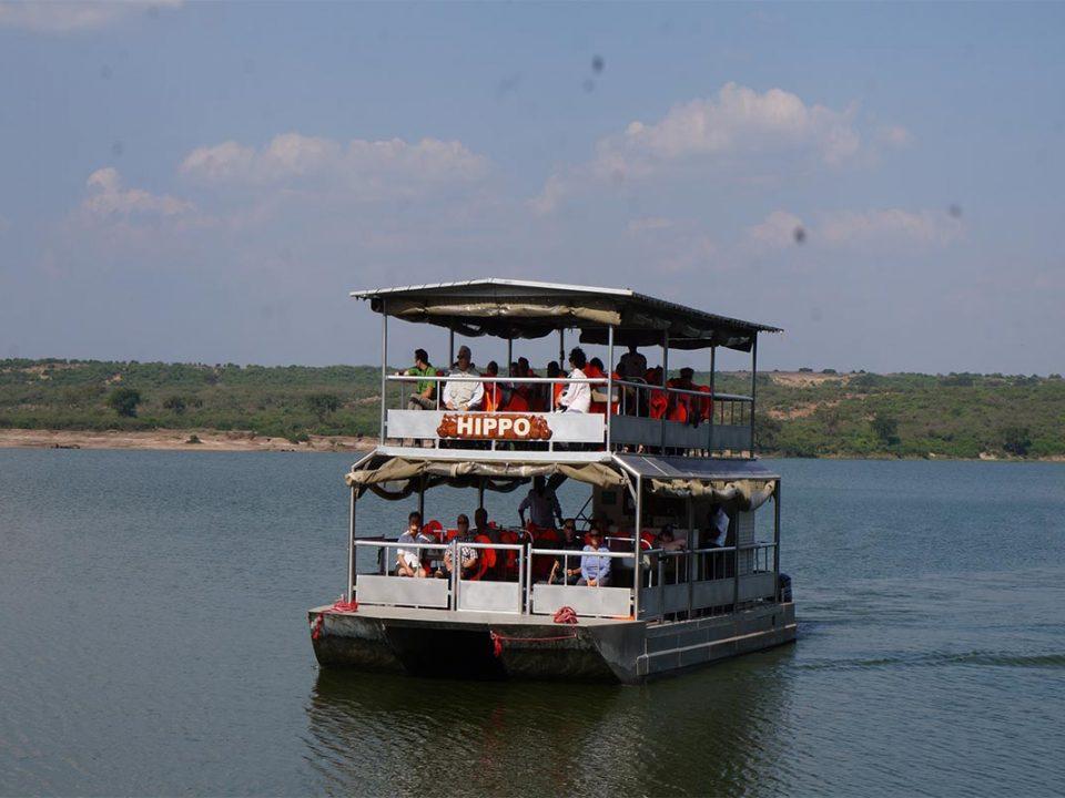 Book adventure tours in Ugnada