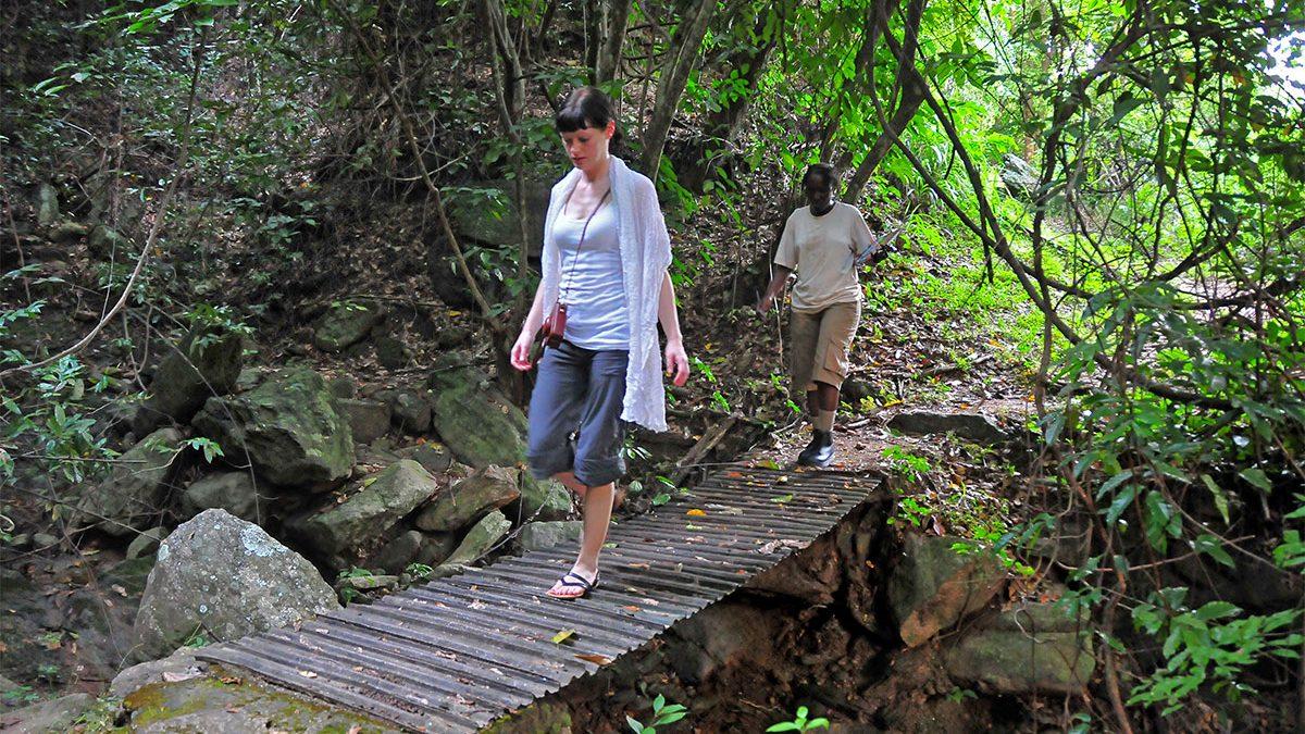 Hiking up Murchison falls