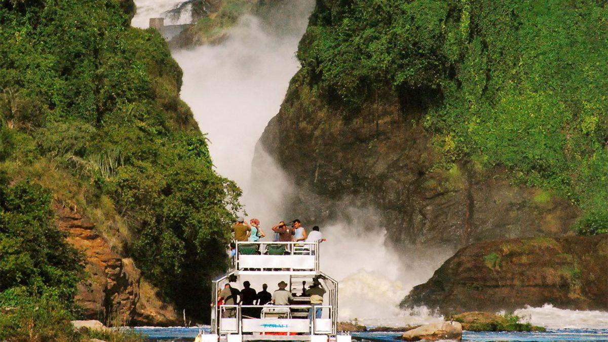 Luxury flying safari in Murchison falls