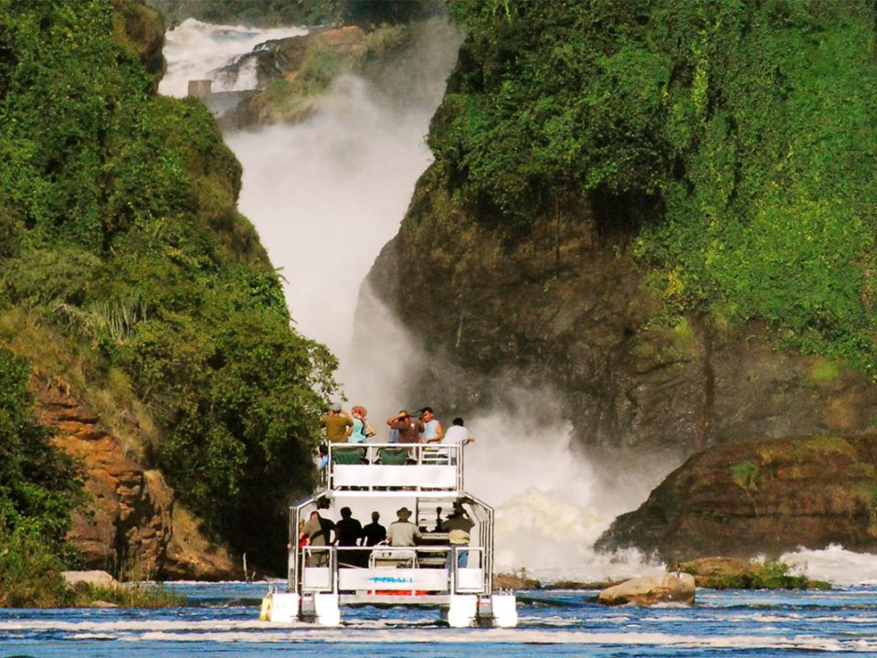 Luxury flying safari in Murchison falls