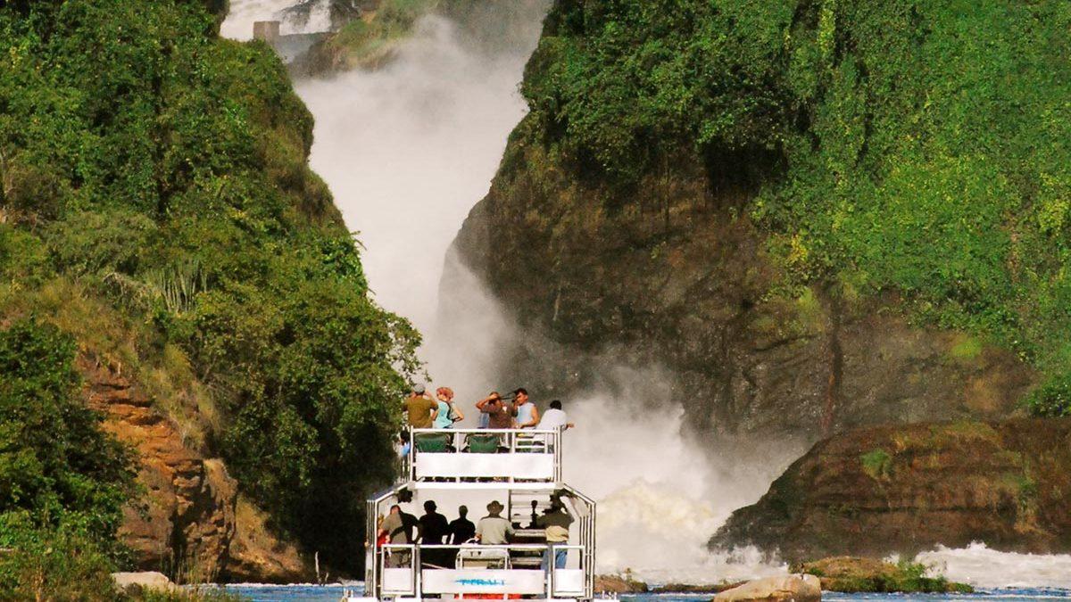 game safaris in Murchison falls