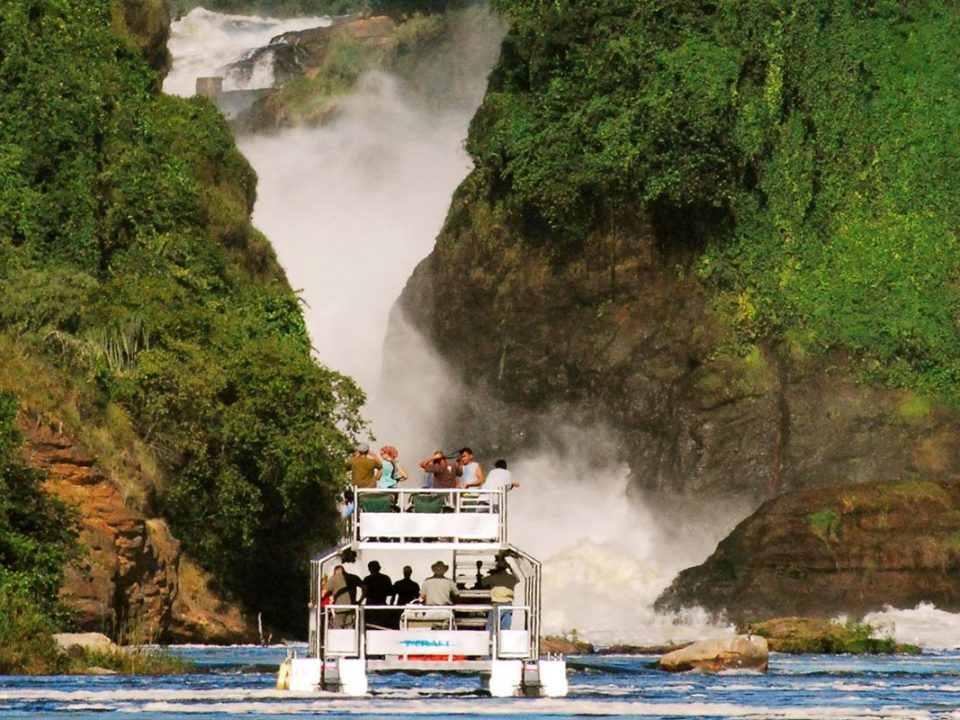 game safaris in Murchison falls