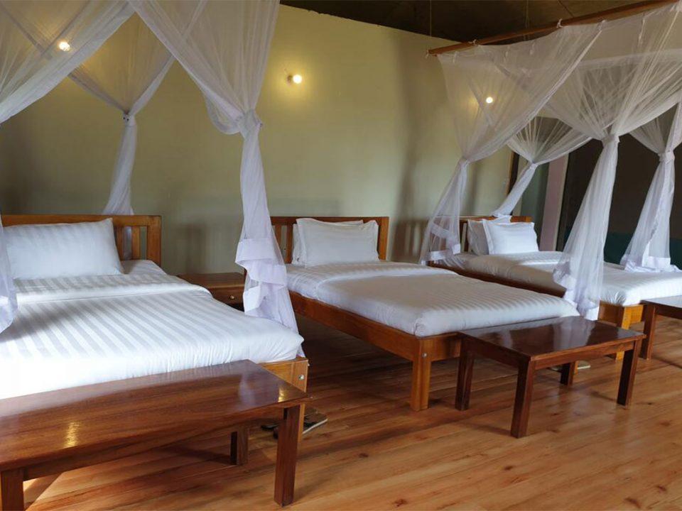 best hotels near mgahinga
